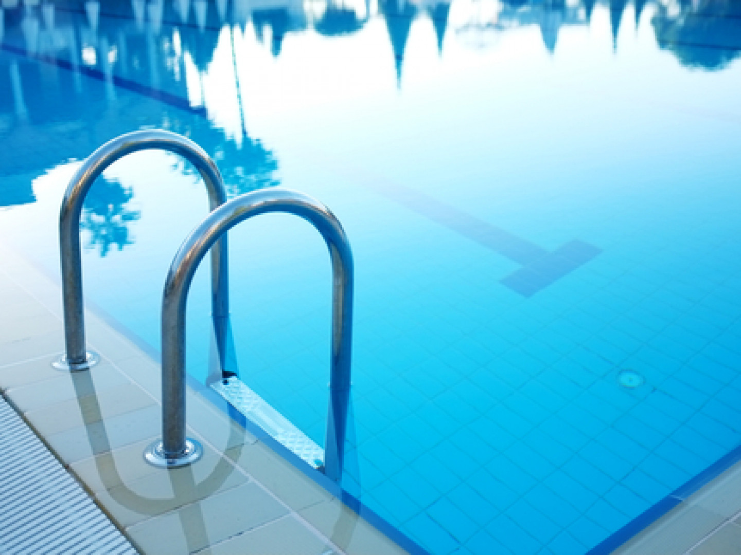 Revamp Your Pool by Hiring the Pros